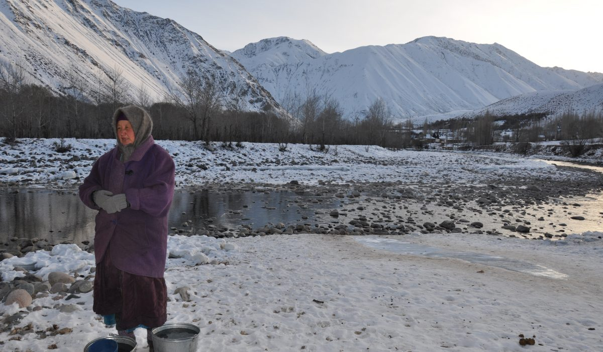 Kyrgyz Woman on the Riverside of the Kökömeren, 2015, Kateřina Zäch-Kozlová (PhD Student in Human Geography – University of Fribourg, Switzerland). The aim of my master's thesis (2017) was to systematically examine the everyday habitat of the water culture and changing infrastructure in the Kyrgyz village. My role as an ethnologist was to decipher social Kyzyl-Oi's organisation of water and complex networks of human relation using a water lens – whereby empirical research of water places of everyday life and water history, were of special importance. Kyzyl-Oi, Kyrgyzstan.